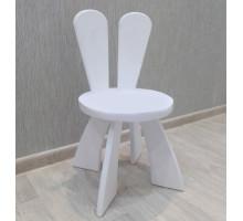 Детский стульчик Зайка деревянный из массива.Стул с ушками. Высота до сиденья 27 см. Цвет белый. Арт. SZ-27-O