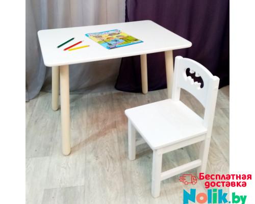 Комплект мебели столик круглые ножки и стульчик деревянный. Столик со скругленными углами и стульчиком бетмен. (Столешница 70*50 см). Цвет белый. Арт. KN7050W+SO-27-B в Минске